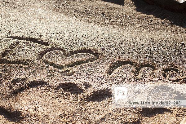 schreiben  Sand  herzförmig  Herz