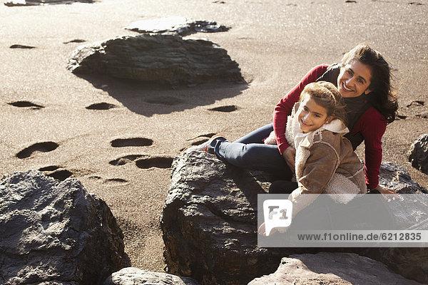 Fröhlichkeit  Strand  Tochter  Mutter - Mensch