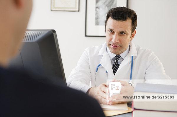 Patientin  sprechen  Arzt  mischen  Mixed