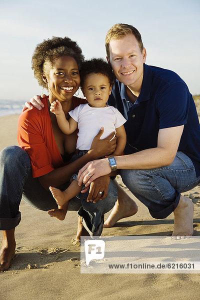Fröhlichkeit  Strand  multikulturell