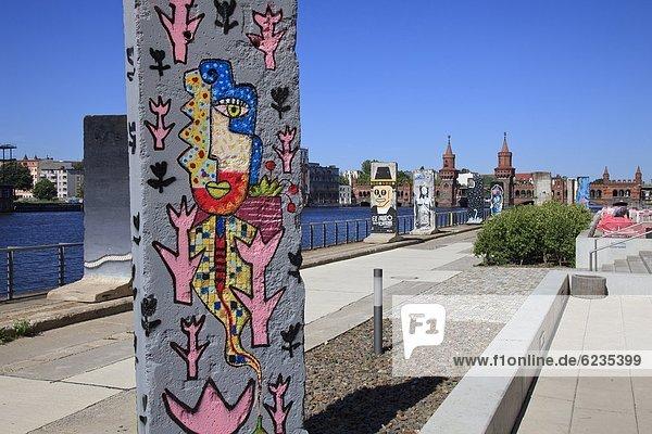 Reste der Berliner Mauer am Spreeufer  Deutschland Reste der Berliner Mauer am Spreeufer, Deutschland