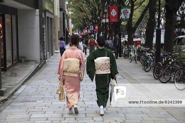 Tokyo Hauptstadt Designer kaufen Laden Menschenreihe Asien Prachtstraße Harajuku Japan gehobene Preisklasse