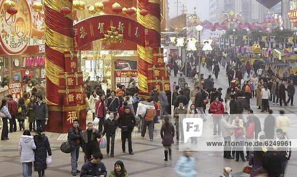 Einkaufszentrum  Tradition  füllen  füllt  füllend  chinesisch  Kunde  Festival  China  Asien  Chengdu  Innenstadt  neu  Sichuan  Jahr
