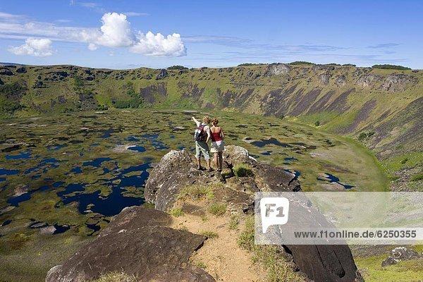 sehen Tourist Ansicht Krater Chile Südamerika