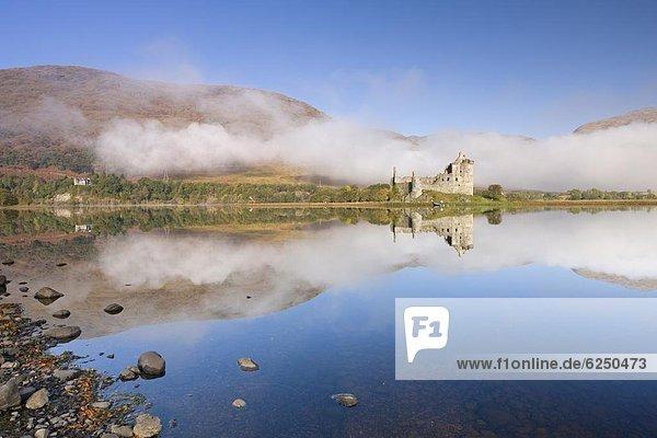 Stilleben  still  stills  Stillleben  Europa  Palast  Schloß  Schlösser  Morgen  Großbritannien  Ehrfurcht  Herbst  See  Argyll and Bute  Schottland