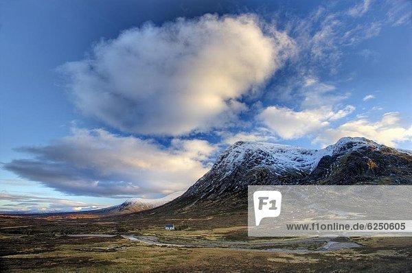 zeigen Europa Winter Großbritannien Fluss Highlands Ansicht Einsamkeit gekalkt Bank Kreditinstitut Banken Moor Schottland