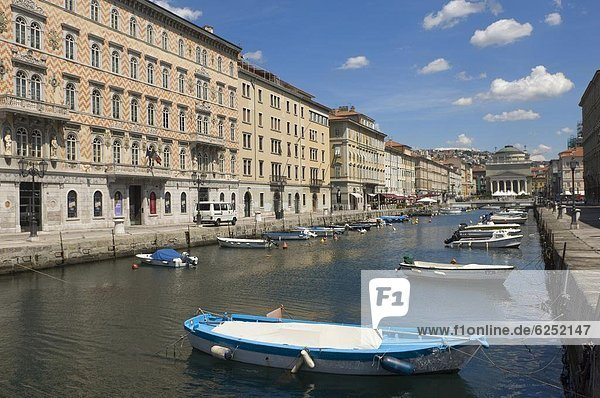 Canal Grande  Trieste  Friuli-Venezia Giulia  Italy  Europe