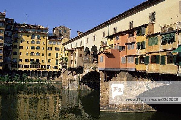 Europa über Fluss Arno UNESCO-Welterbe Florenz Italien Toskana