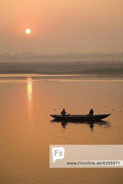 Fotografie  nehmen  Boot  Fluss  Rudern  Fotograf  Ganges  Asien  Indien  Uttar Pradesh