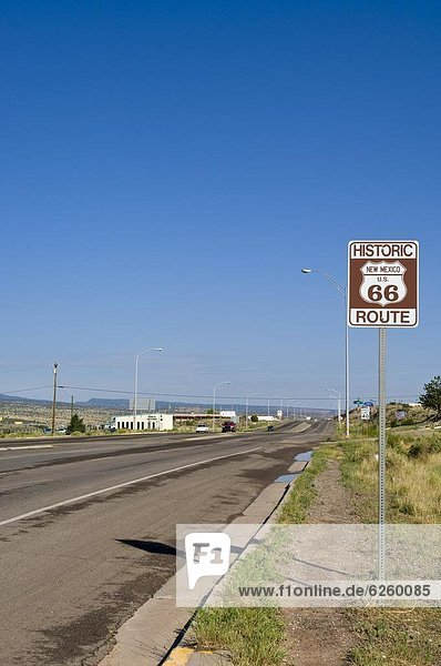 Vereinigte Staaten von Amerika  USA  Fernverkehrsstraße  Zeichen  Geschichte  Nordamerika  vorwärts  Richtung  New Mexico  Signal