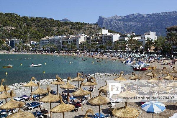 View over beach  Port de Soller  Mallorca (Majorca)  Balearic Islands  Spain  Mediterranean  Europe