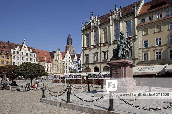 Europa  Quadrat  Quadrate  quadratisch  quadratisches  quadratischer  Statue  Altstadt  Markt  Polen  Breslau