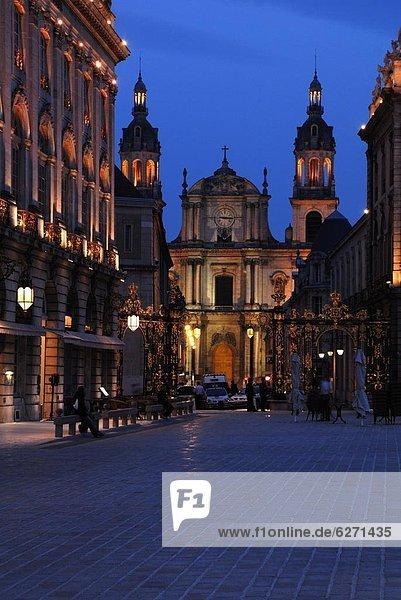 Frankreich  Europa  Abend  Kathedrale  Ansicht  Flutlicht  UNESCO-Welterbe  Lothringen