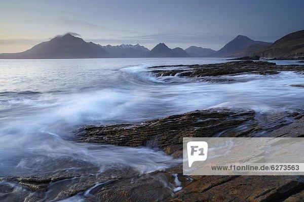 Europa  Winter  Abend  Großbritannien  Hügel  Ansicht  See  Elgol  Isle of Skye  Schottland