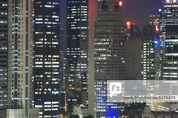 hoch  oben  nahe  Finanzen  Nacht  Gebäude  Ortsteil  Singapur  Südostasien