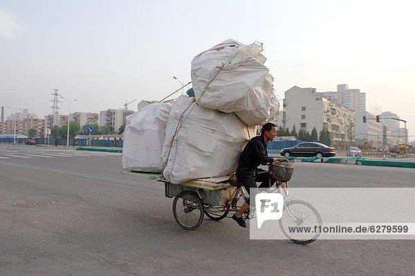 beladen  Zweifel  Transport  Peking  Hauptstadt  China  Asien