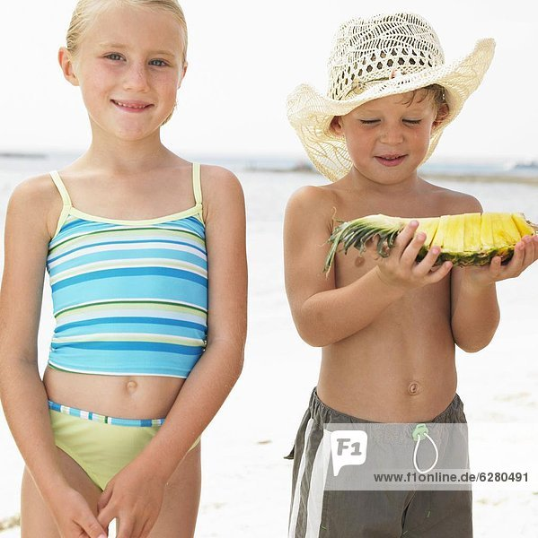 Strand  Junge - Person  Mädchen