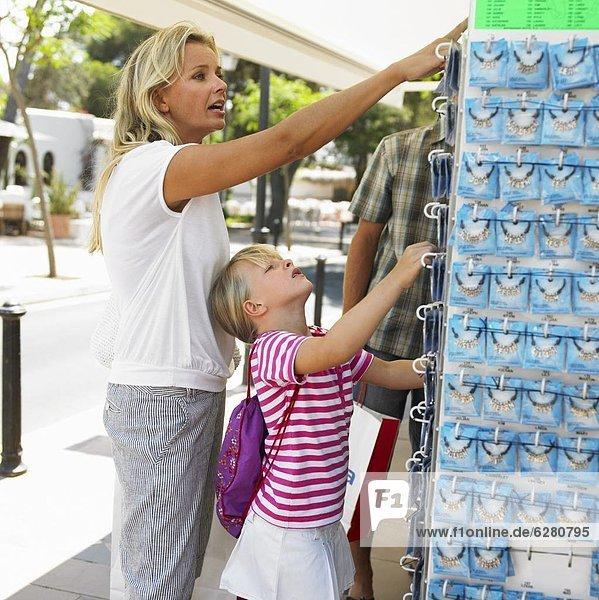 kaufen  Tochter  Mutter - Mensch