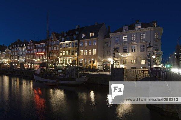 Nyhavn an Weihnachten  Kopenhagen  Dänemark  Skandinavien  Europa