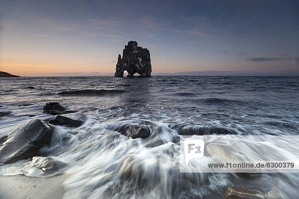 HvÌtserkur rock formations  Vatnsnes Peninsula  Nor_urland vestra  Northwest Iceland  Iceland  Europe