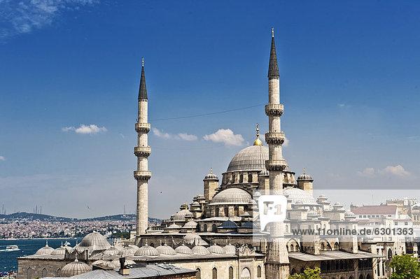 Neue Moschee  Yeni Cami  Istanbul  Türkei