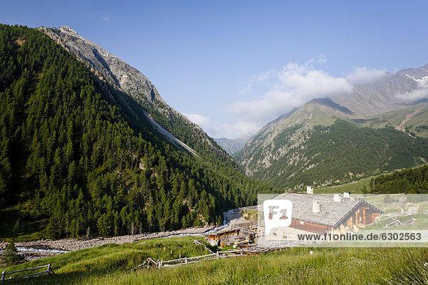 Rableid Alm  beim Aufstieg zur Hohen Wilden im Pfossental  Schnalstal  Südtirol  Italien  Europa Rableid Alm, beim Aufstieg zur Hohen Wilden im Pfossental, Schnalstal, Südtirol, Italien, Europa