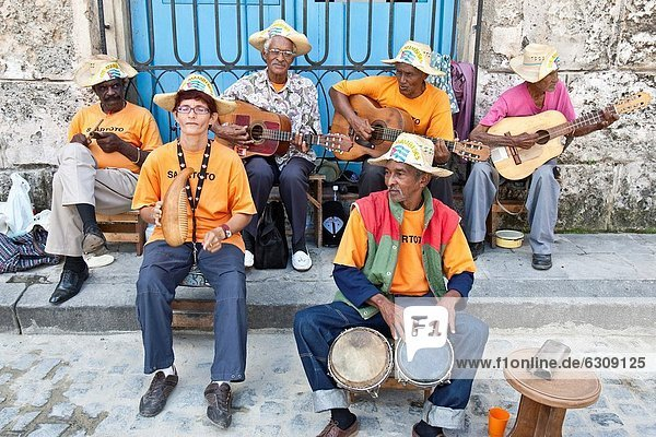 Street Musicians  Plaza De La Catedral  Havana  Cuba