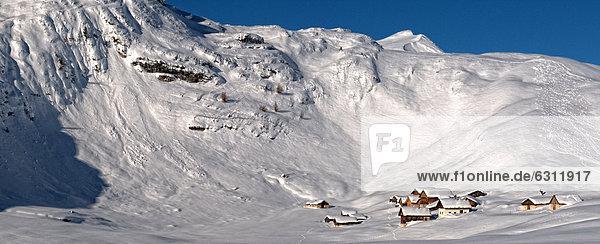 Winterlandschaft in der Fanes-Gruppe  Dolomiten  Südtirol  Italien Winterlandschaft in der Fanes-Gruppe, Dolomiten, Südtirol, Italien