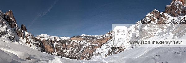 Fanes-Gruppe in den Dolomiten  Südtirol  Italien Fanes-Gruppe in den Dolomiten, Südtirol, Italien