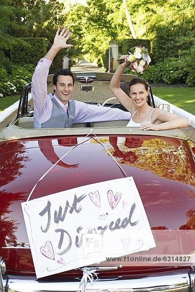 Fröhlichkeit  Auto  Cabrio  Zeichen  winken  Scheidung  Signal
