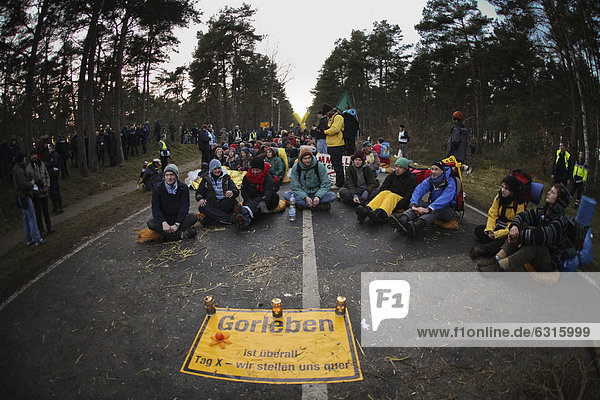 Anti-nuclear protest by x1000-mal-quer in the Wendland region  anti-nuclear protesters occupying the entrance to Gorleben  site of a radioactive disposal facility  Lower Saxony  Germany  Europe