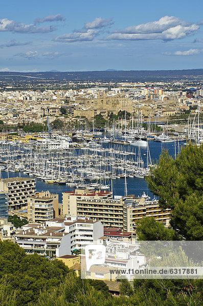 Hafen Europa Stadt Ansicht Mallorca Palma de Mallorca Balearen Balearische Inseln Spanien Castell de Bellver