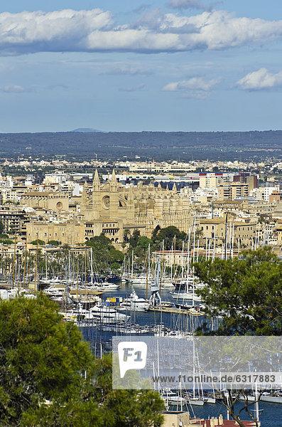 Europa Stadt Ansicht Mallorca Palma de Mallorca Balearen Balearische Inseln alt Spanien Castell de Bellver