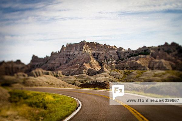 Autobahn im Badlands Nationalpark  South Dakota  USA