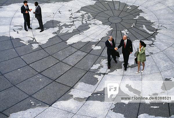 Wirtschaftsperson  gehen  Landkarte  Karte  Globus
