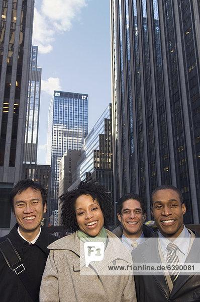 Städtisches Motiv  Städtische Motive  Straßenszene  Straßenszene  Wirtschaftsperson  multikulturell
