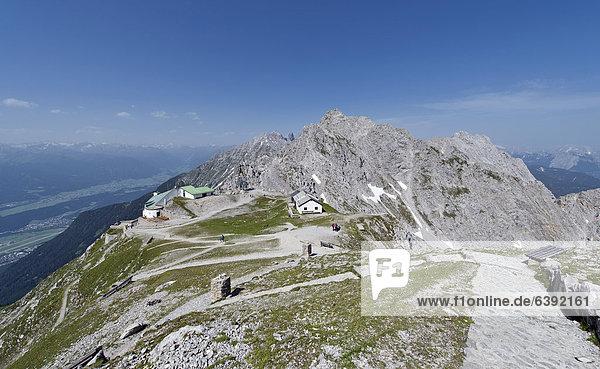 hoch oben Europa Berg Ansicht Österreich Hafelekarspitze Seegrube Haltestelle Haltepunkt Station Tirol