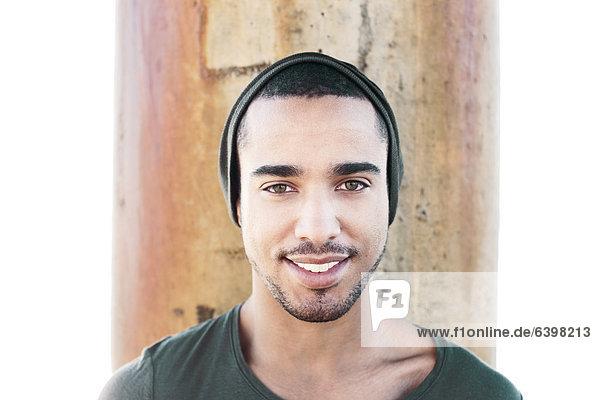 Mann  lächeln  Mütze  Hispanier  Kleidung