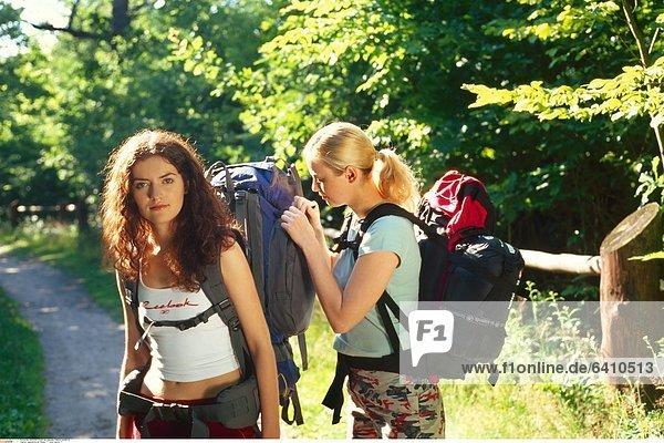 Jugendliche auf Reisen *** Local Caption ***