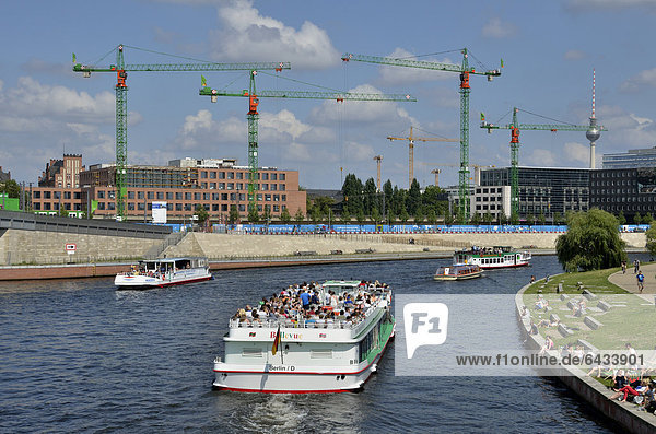 Excursion boat on the Spree river  Reichstagsufer  bank of the Reichstag  Spreebogen  bend in the Spree river  Government District  Berlin  Germany  Europe  PublicGround