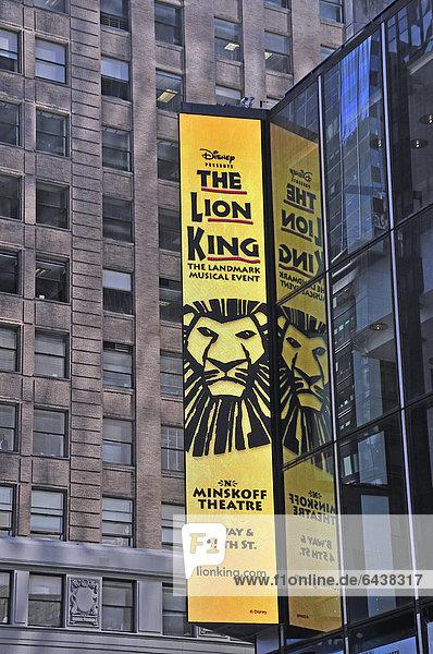 Überdimensionale Lichtwerbung  Times Square  Midtown  Manhattan  New York City  USA  Nordamerika  Amerika  ÖffentlicherGrund