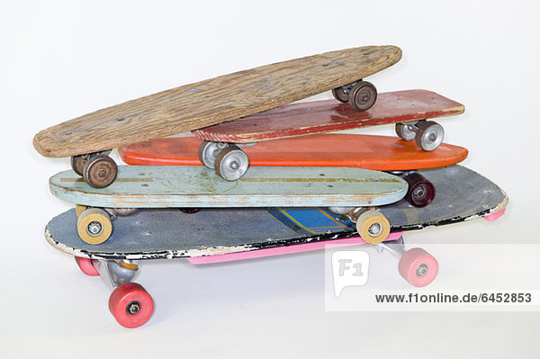Ein Stapel Skateboards Ein Stapel Skateboards