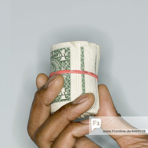 hoch  oben  nahe  halten  Dollar  Rechnung