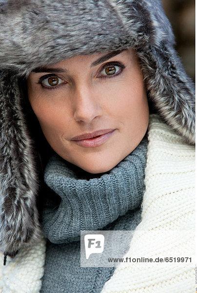 Woman fur hat © Lucenet Patrice/Oredia