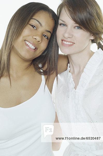 Jugendlicher  umarmen  Mädchen