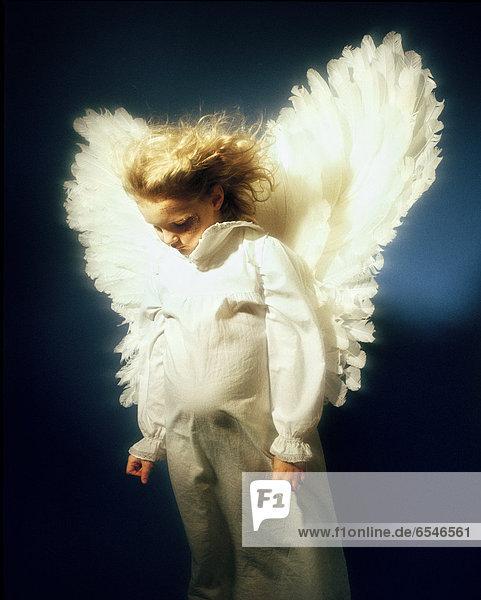 Kleidung  schießen  Studioaufnahme  Kostüm - Faschingskostüm  Engel
