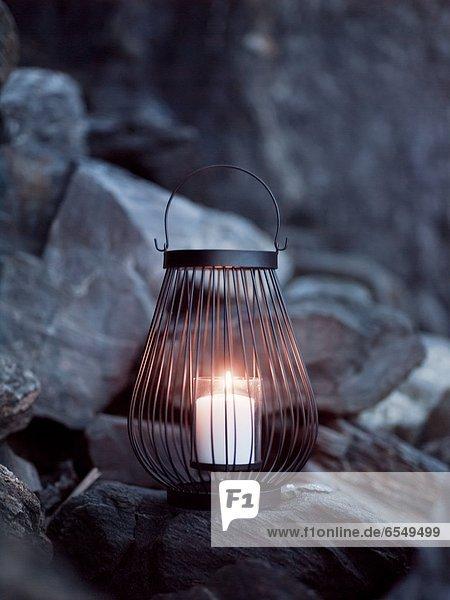 Felsbrocken  Kerze  Laterne - Beleuchtungskörper