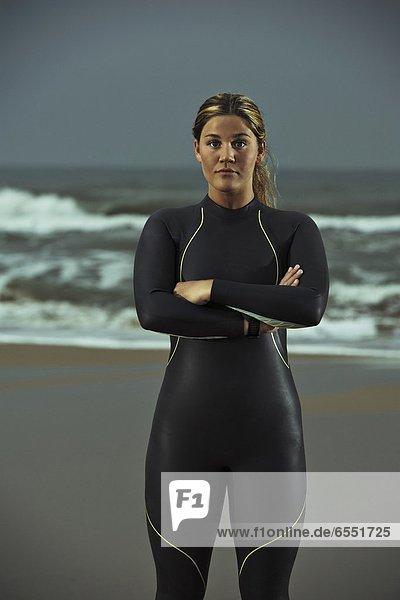 stehend  Frau  Strand  Athlet