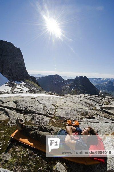 Berg  schlafen  Berggipfel  Gipfel  Spitze  Spitzen  wandern