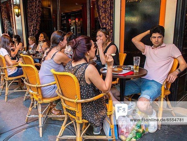 Mensch  Menschen  teilen  Getränk  Zimmer  Montmartre